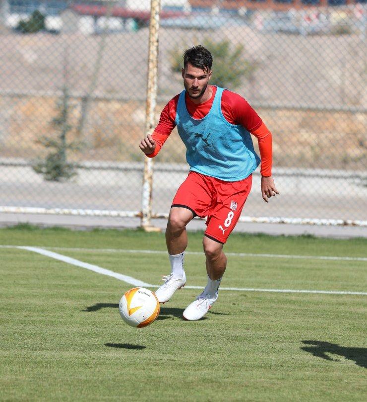 Sivasspor'da Robin Yalçın takımdan ayrılıyor!
