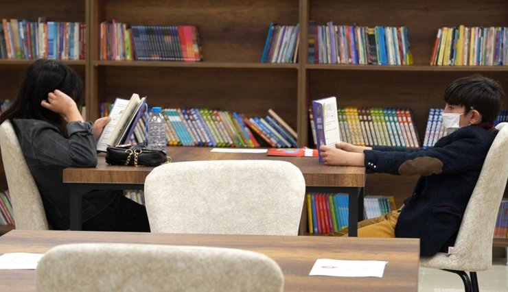Çocuk kütüphanesine miniklerden yoğun ilgi