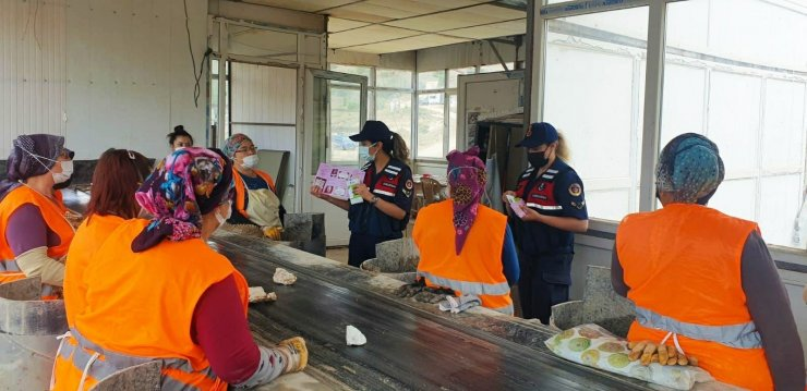 Jandarmadan kadın işçilere KADES eğitimi verildi