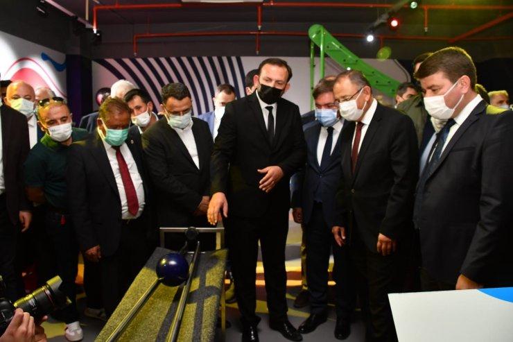 Aksaray Gençlik ve Bilim Merkezi açıldı