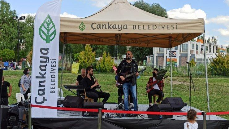 Başkent'te kadınlara ve müzisyenlere destek