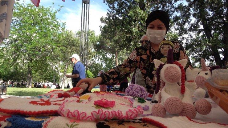 'Hanımeli Pazarı' kadınlara gelir kapısı oldu