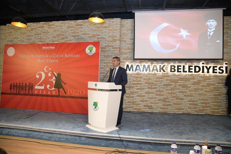 Mamak Belediyesi'nin düzenlediği '23 Nisan Yarışması'nın finalistlerine ödül