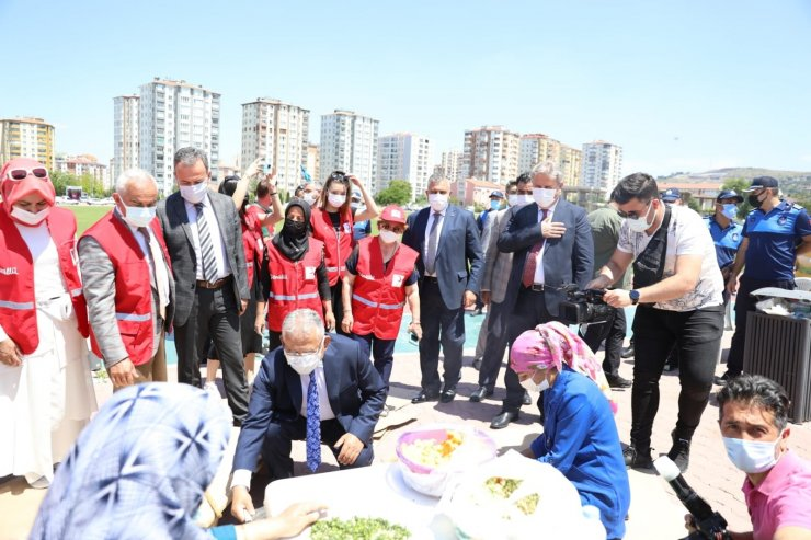 Melikgazi'den Kızılay'ın hayır panayırına destek
