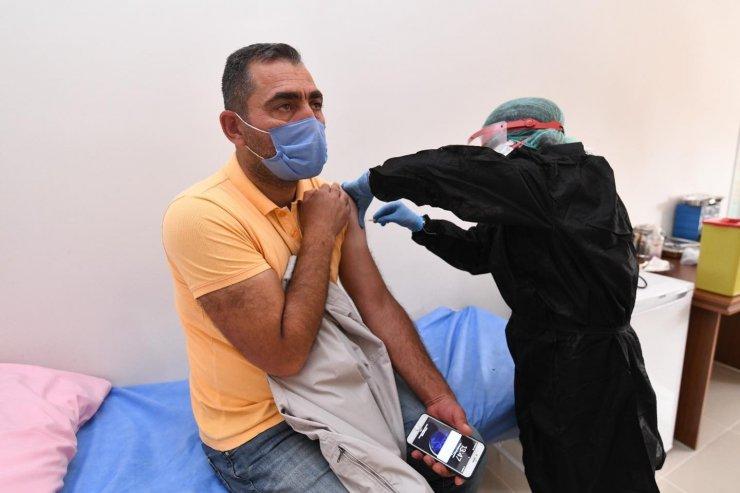 Pursaklar'da belediye personeline Korona virüs aşısı