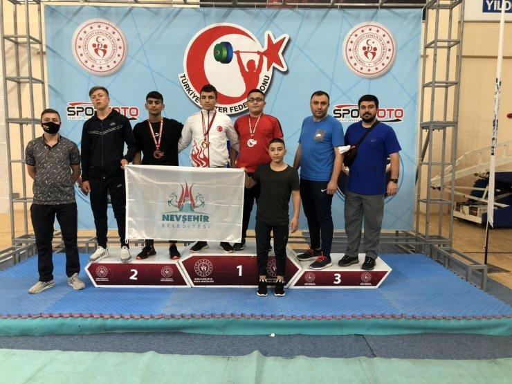 Türkiye Halter Şampiyonasına, Nevşehirli sporcular damga vurdu