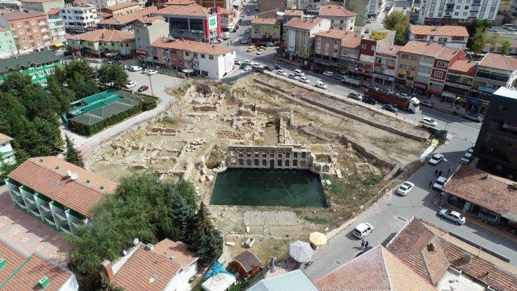 Yozgat'taki Basilica Therma Roma Hamamında kazı ve temizleme çalışması yeniden başlatıldı