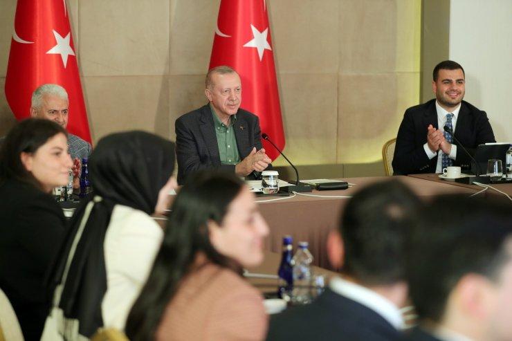 Gençlerden Cumhurbaşkanı Erdoğan'a Babalar Günü sürprizi