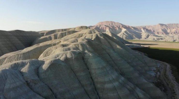 Nallıhan Kuş Cenneti ve renkli tepeleri ziyaretçilerini bekliyor