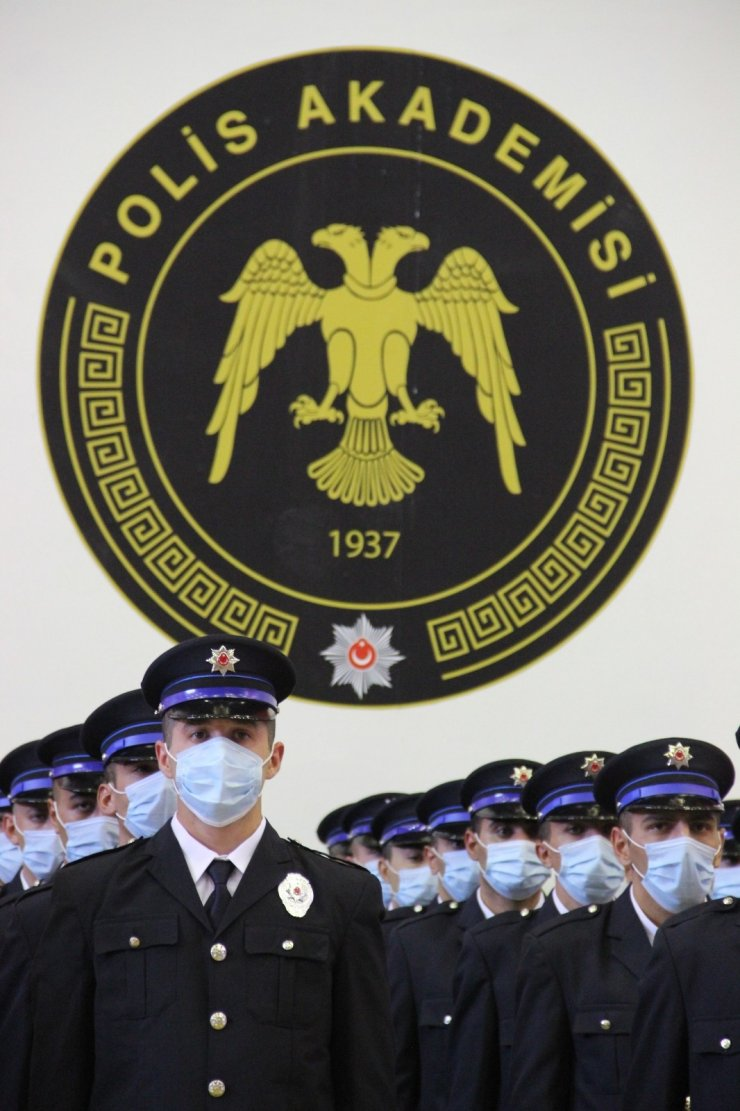 Karaman POMEM'de 260 polis adayı mezun oldu