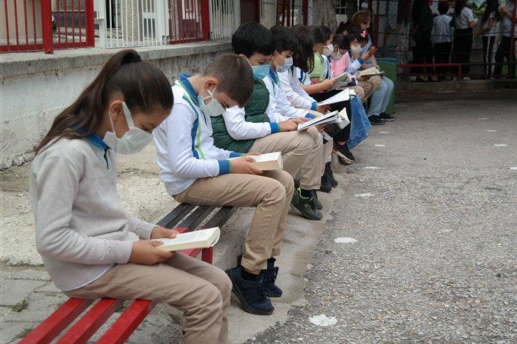 Okullarda telafi 'etkinlikleri' başladı