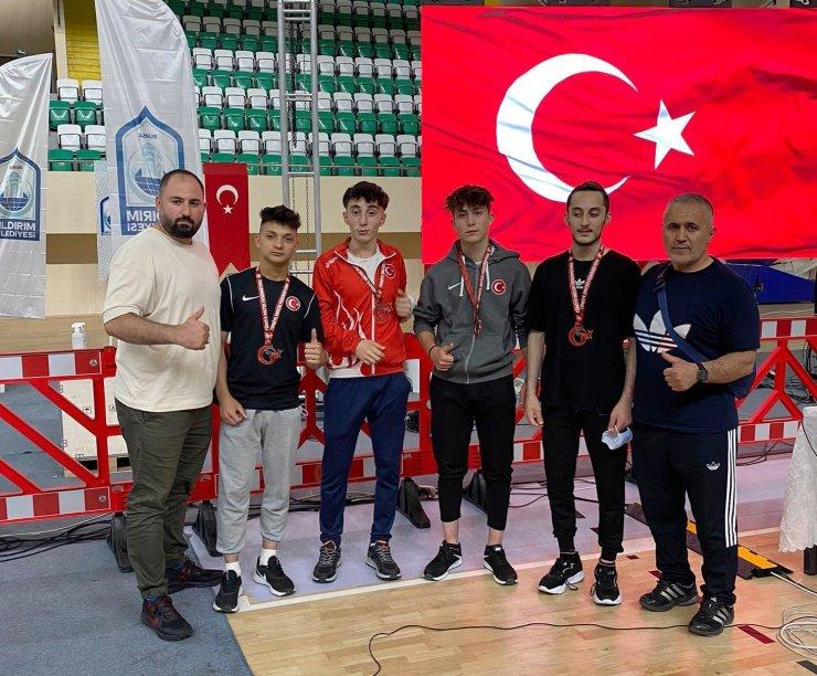 Sivaslı halterciler 4 madalya kazandı