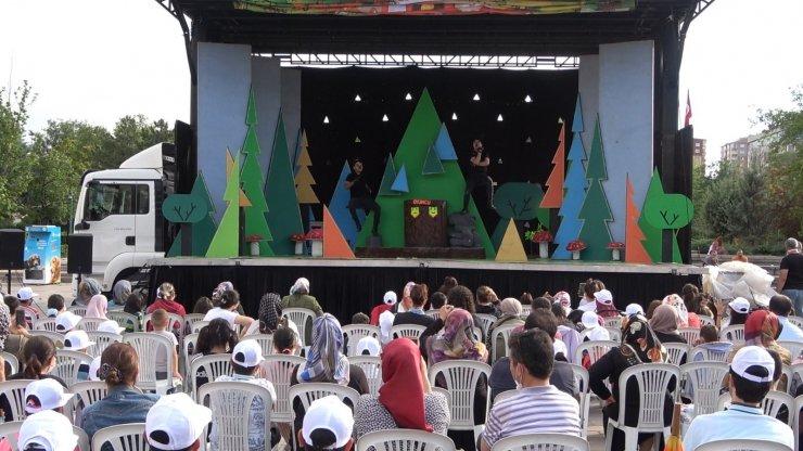 Kırıkkale'de çocukların tiyatro heyecanı