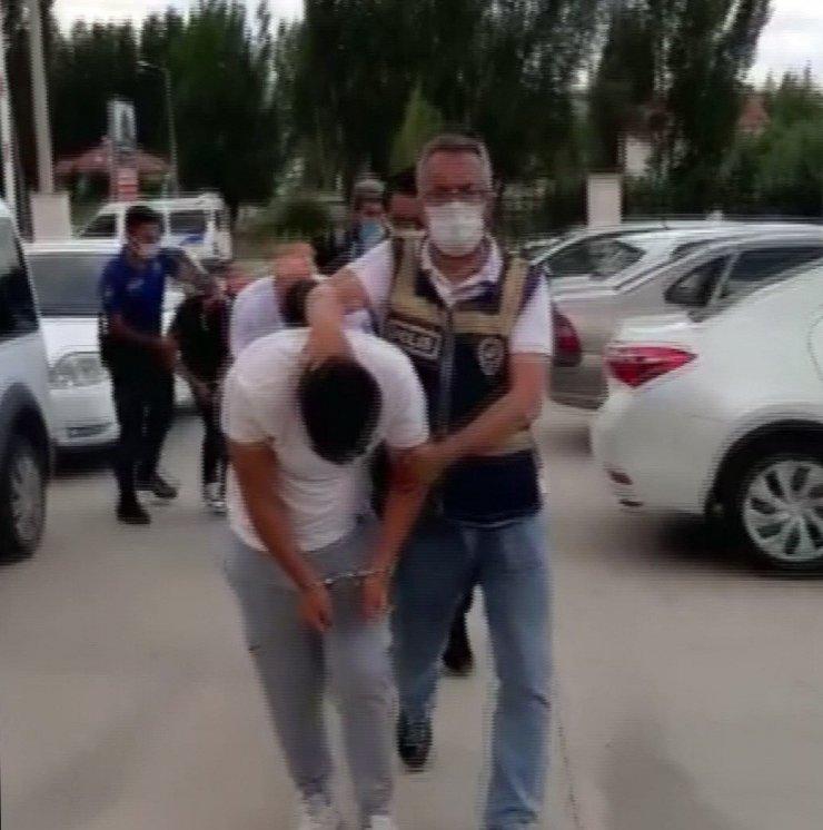 Yozgat'ta kuyumcu soygunu güvenlik kamerasına yansıdı