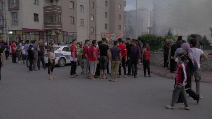 Kayseri'de kozmetik malzemeleri bulunan iş yerinde yangın