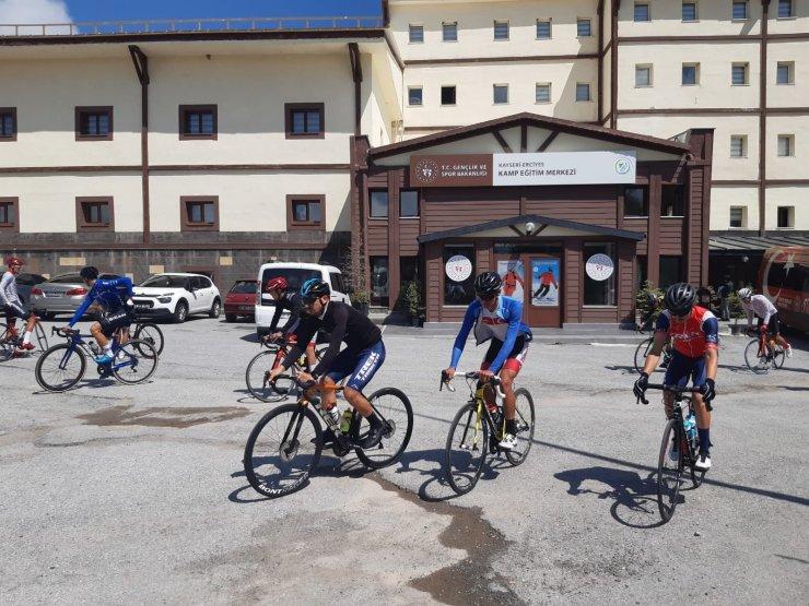 Türkiye Bisiklet Milli Takımı Erciyes'te kampa başladı