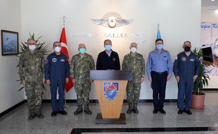 """Milli Savunma Bakanı Akar: """"Nereye kaçarlarsa kaçsınlar terörü bitireceğiz"""""""