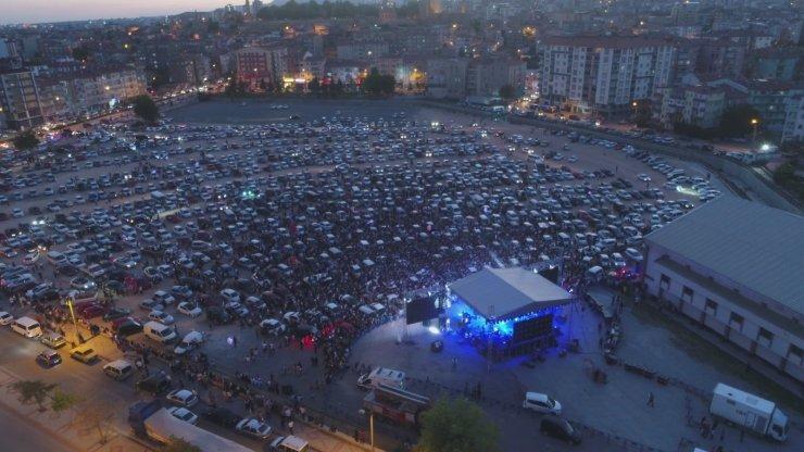 Niğde'de arabalı konserler yoğun ilgi gördü