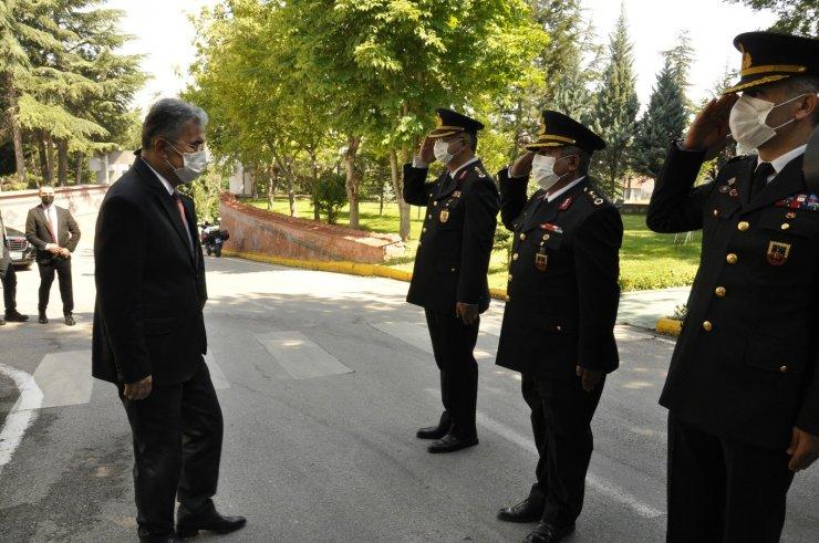 Vali Ayyıldız, Jandarma personelleri ile bayramlaştı