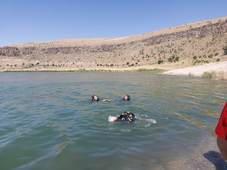 Krater gölüne giren genç boğuldu