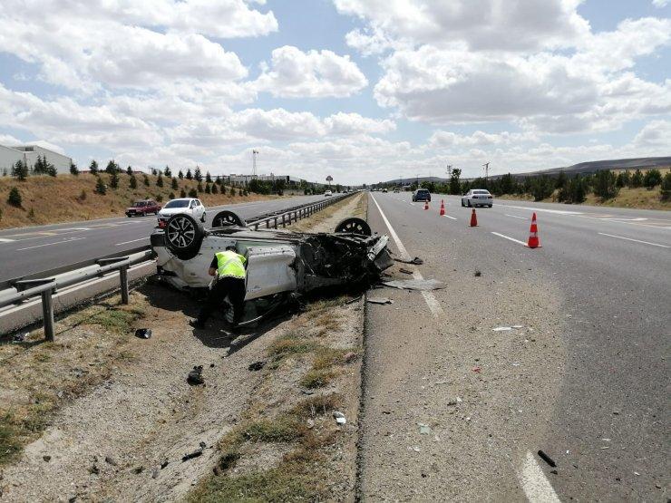 Başkent'te takla atan otomobilde 6 kişi yaralandı