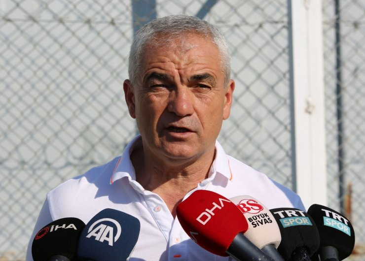 "Çalımbay: ""Petrocub maçına yüzde yüz konsantreyiz"""