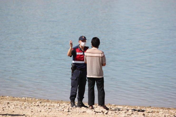 Baraj gölünde kaybolan 3 kişiyi arama çalışmaları sona erdi