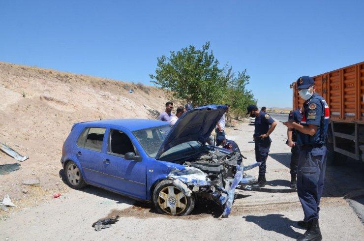 Bariyere çarpan otomobil hurdaya döndü: 1 yaralı