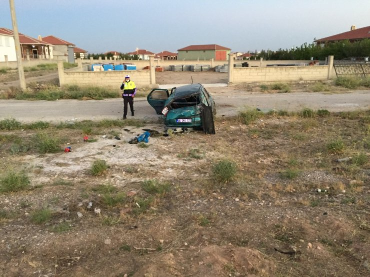 Takla atan otomobildeki çocuk öldü, 3 kişi yaralandı