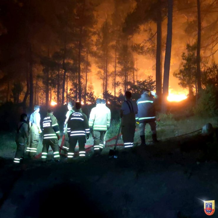"""Jandarma Genel Komutanlığı: """"Orman yangınlarına müdahale ve vatandaşlara yardım çalışmalarımız kesintisiz bir şekilde devam etmektedir"""""""