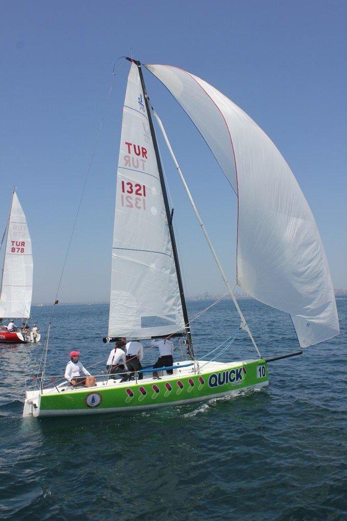 Quick Sigorta sponsorluğundaki HSSK Yelken takımı kupanın sahibi oldu