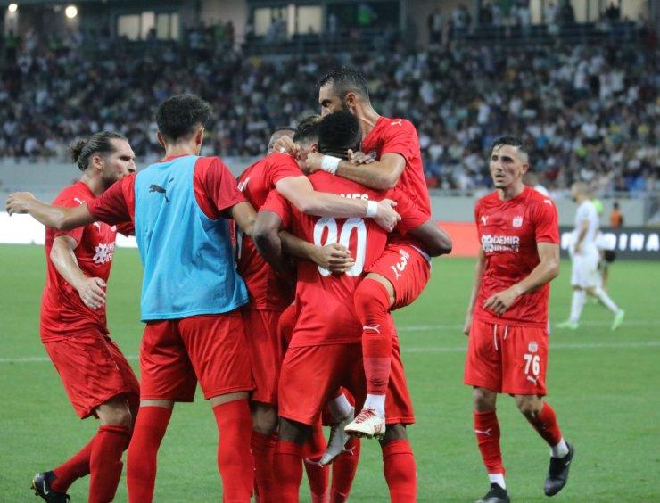 UEFA Avrupa Konferans Ligi: Dinamo Batumi: 1 - Sivasspor: 2 (Maç sonucu)