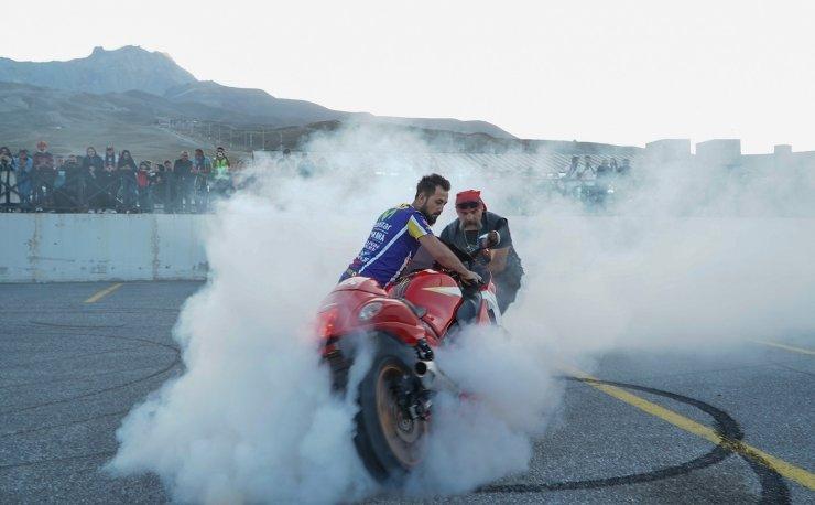 Motosiklet tutkunları Erciyes Motofest'te buluştu