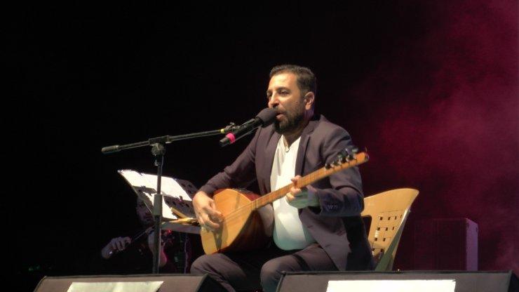 Türkücü İsmail Altunsaray, Kayserililerin kulağının pasını sildi