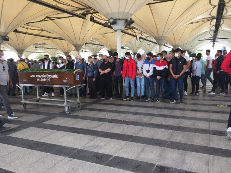 Başkent'te trafik kazasında vefat eden genç toprağa verildi