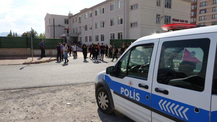 Kayseri'de okul çevrelerinde 'asayiş berkemal'