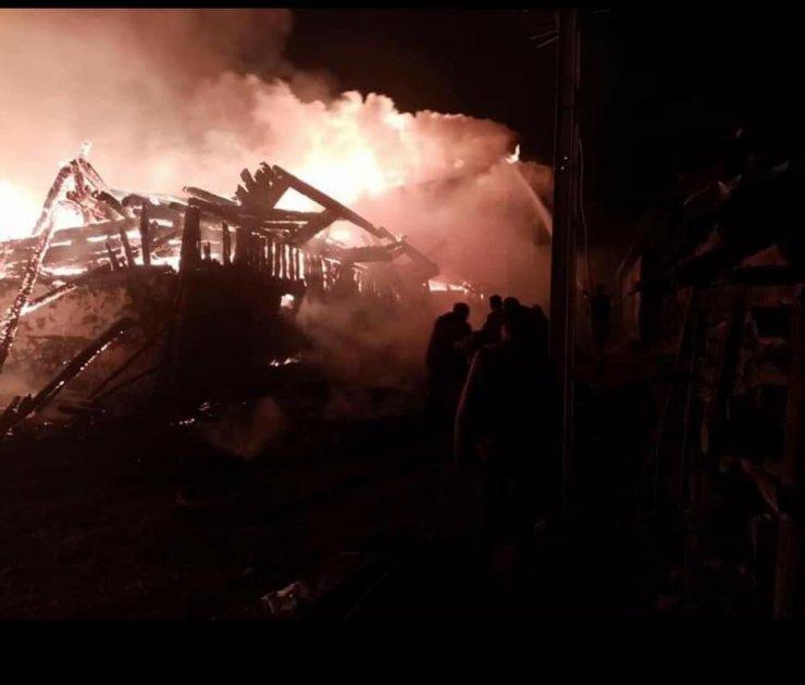 Çamlıdere'de metruk evde çıkan yangın 7 evi küle döndürdü